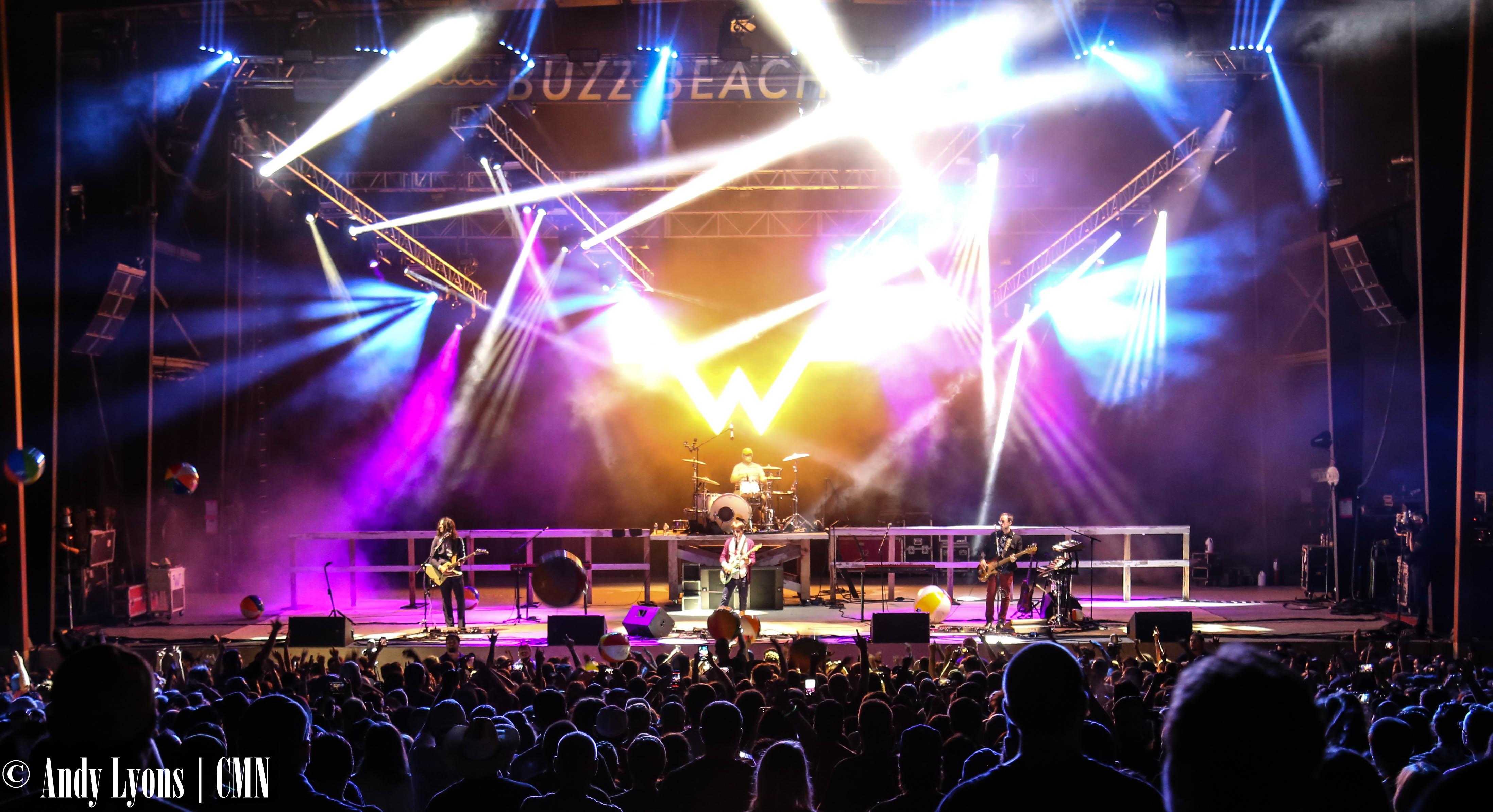 Snoop Dogg, Weezer headline mellow weekend at Buzz Beach Ball