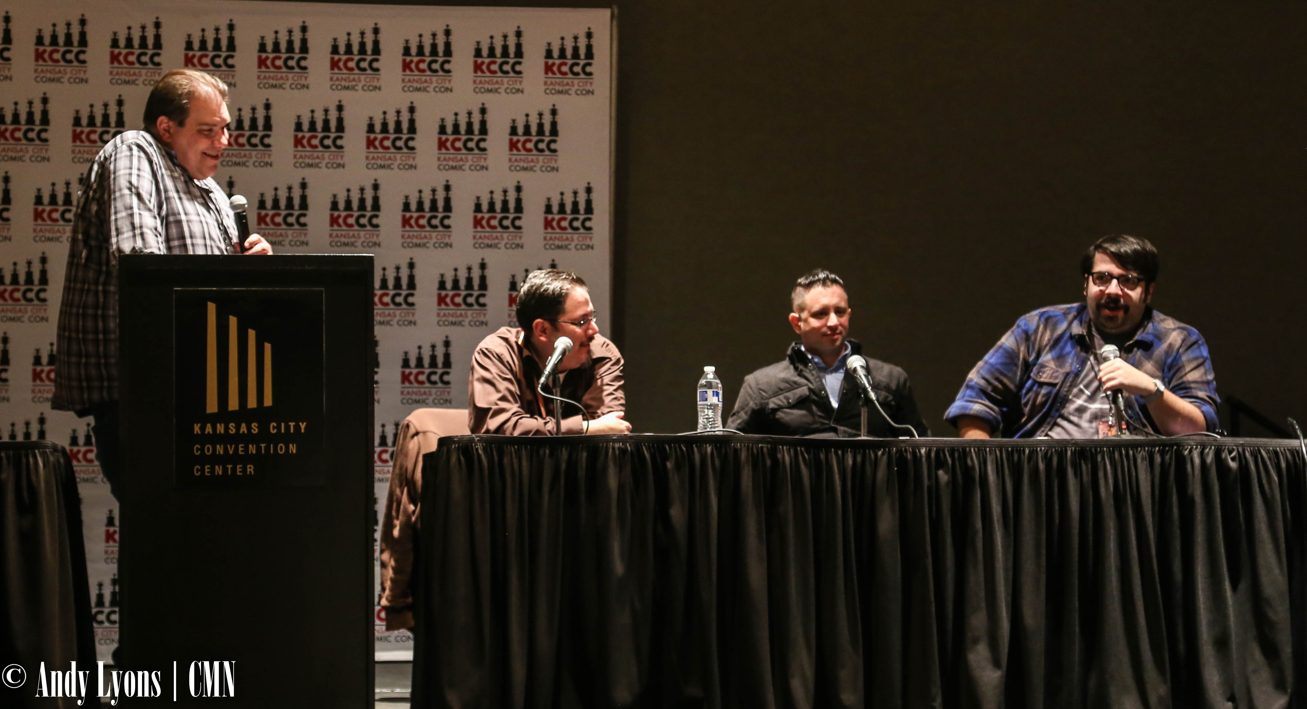 Kansas City Comic Con fans get inside look through DC Comic Writers panel