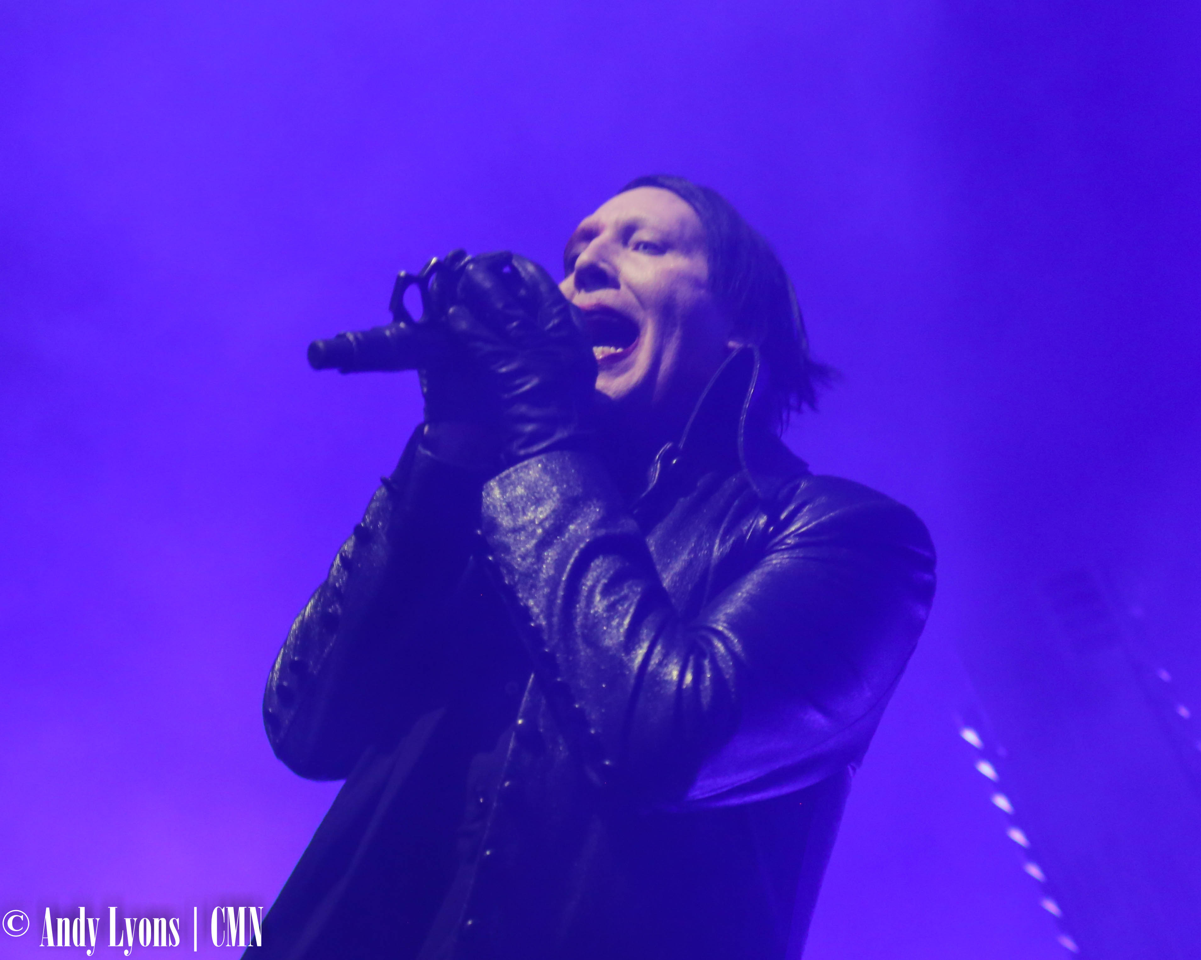 Marilyn Manson rocks a sold out Midland in KC make-up show